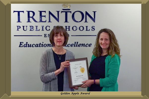 Congratulations to Curriculum Director Ann Deneroff on being awarded a Golden Apple. A Golden Apple