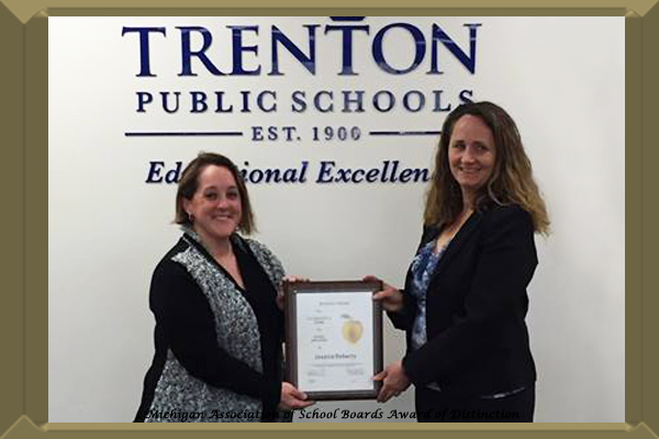 Congratulations to Trenton High School Teacher Jessica Roberts on being awarded a Golden Apple.
